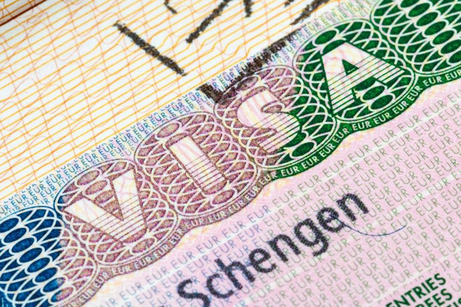 ЕС хочет  облегчить  получение виз для союзников вмиграционном вопросе