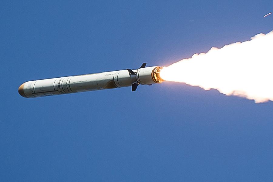 Северная Корея выставила фото предстоящего уничтожения самолетов США