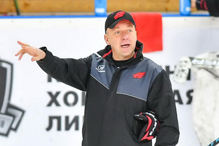 Белорус Андрей Скабелка отправлен вотставку споста основного тренера «Авангарда»
