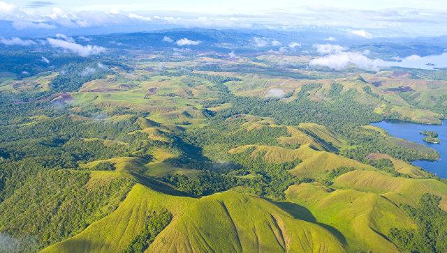 НаПапуа— Новая Гвинея эвакуировали около 600 человек из-за извержения вулкана