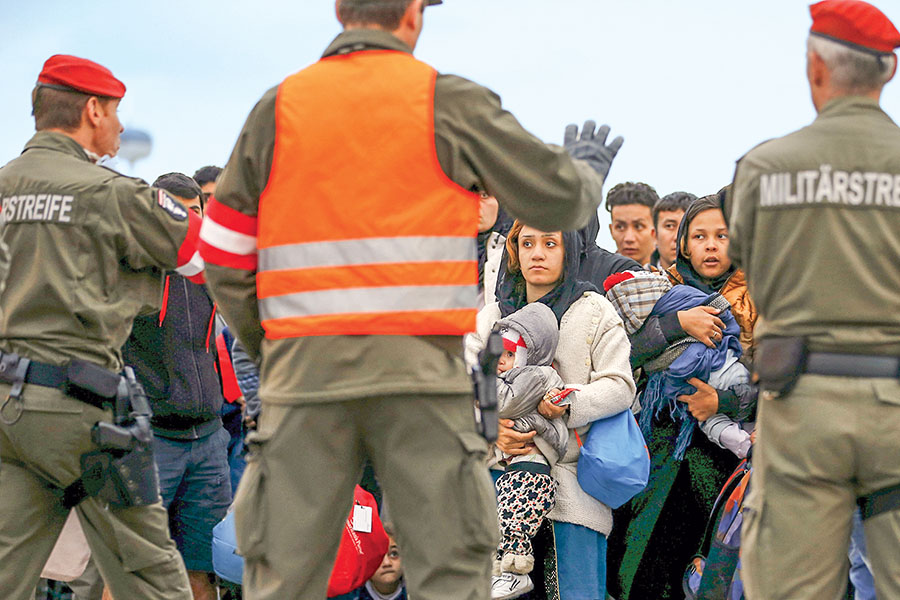 ЕКупрекает Чехию, Польшу иВенгрию внеприёме беженцев сБлижнего Востока