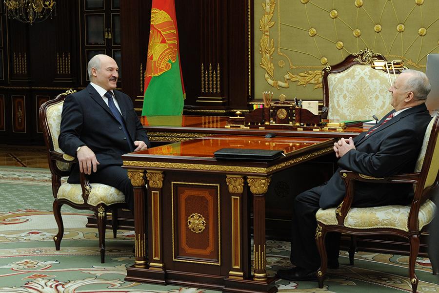Лукашенко встретился сглавным редактором «Народной воли» Середичем