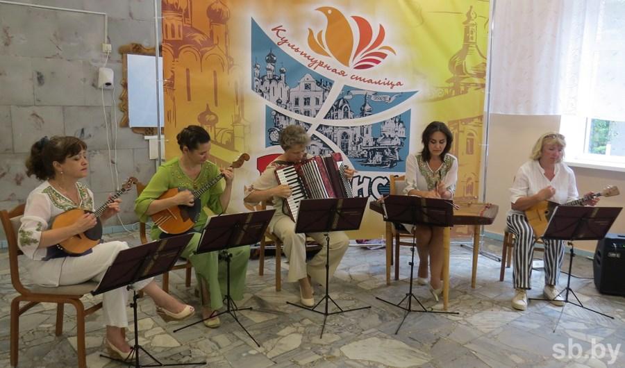 В Пинске открылась мастерская по производству и ремонту музыкальных инструментов
