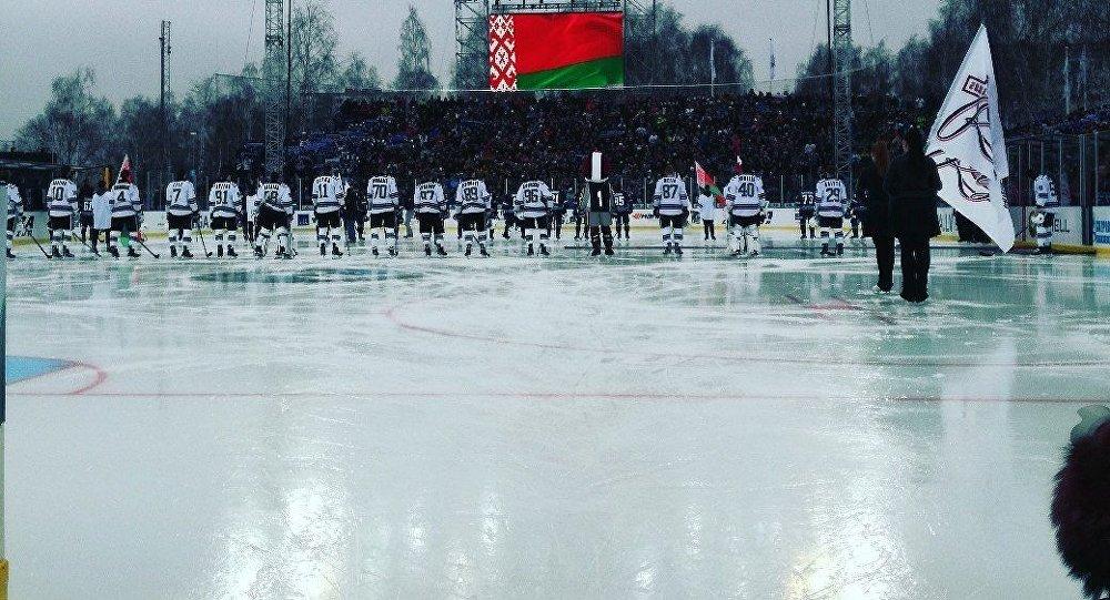 Минское «Динамо» обыграло рижских одноклубников вматче наоткрытом воздухе