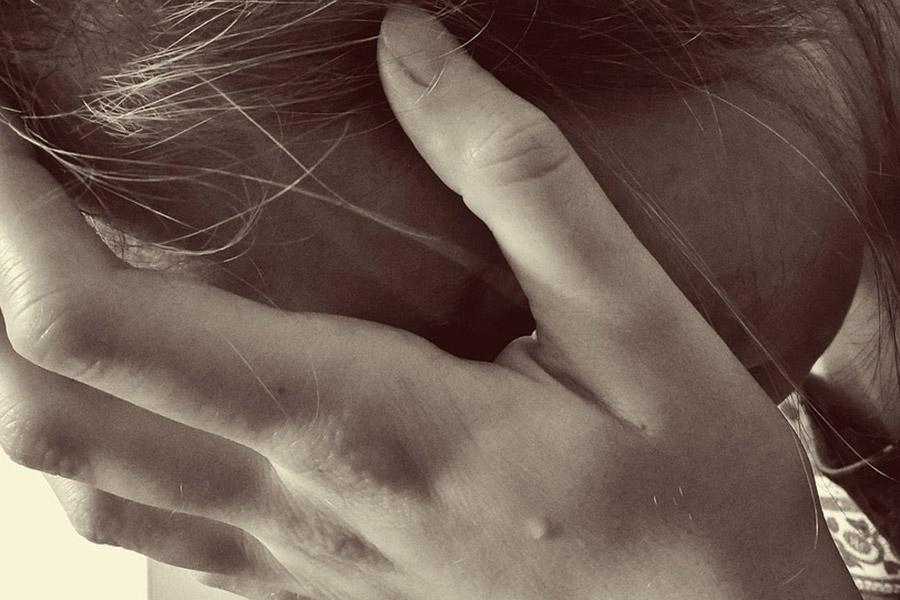 Омичку изнасиловали попути кместу самоубийства