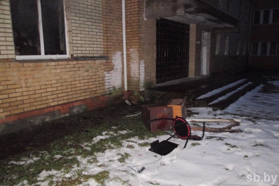 Мужчина умер напожаре воздоровительном комплексе вМядельском районе