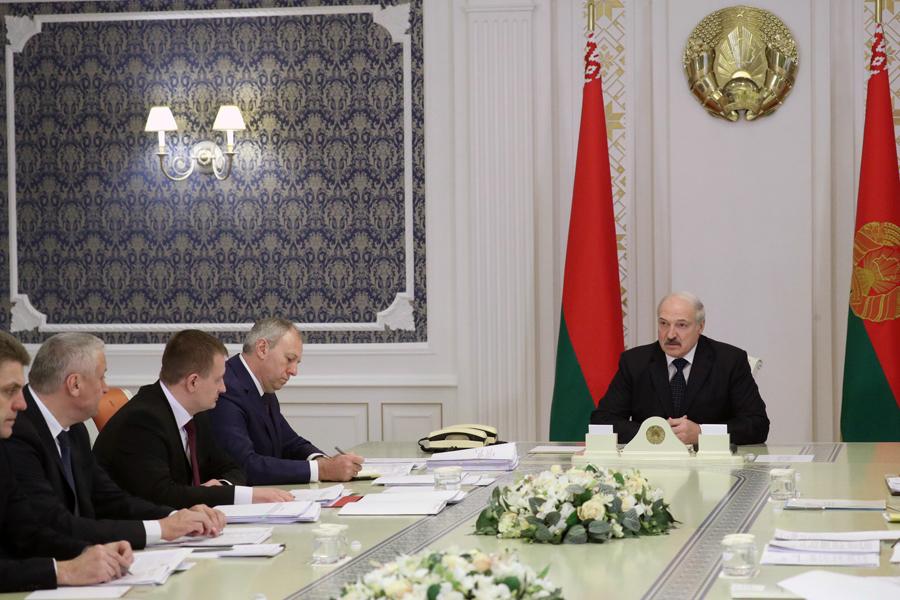Лукашенко о партнерстве с Россией: все больше вводят санкции против Беларуси