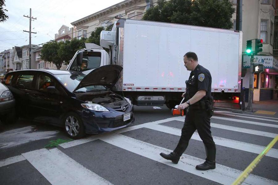 ВСан-Франциско шофёр фургона совершил наезд напешеходов