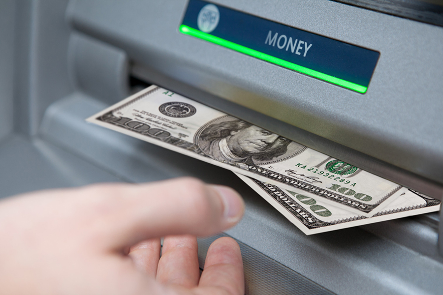Нацбанк отзывает уБСБ Банка лицензию наоперации сфизлицами