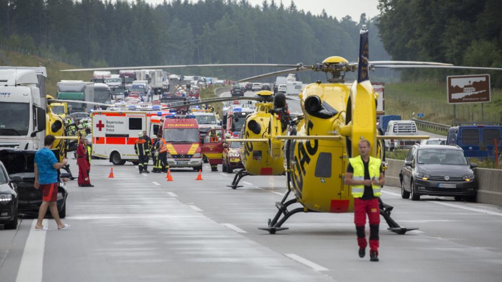 Печальное  ДТП вФРГ: столкнулись 29 авто , практически  30 пострадавших