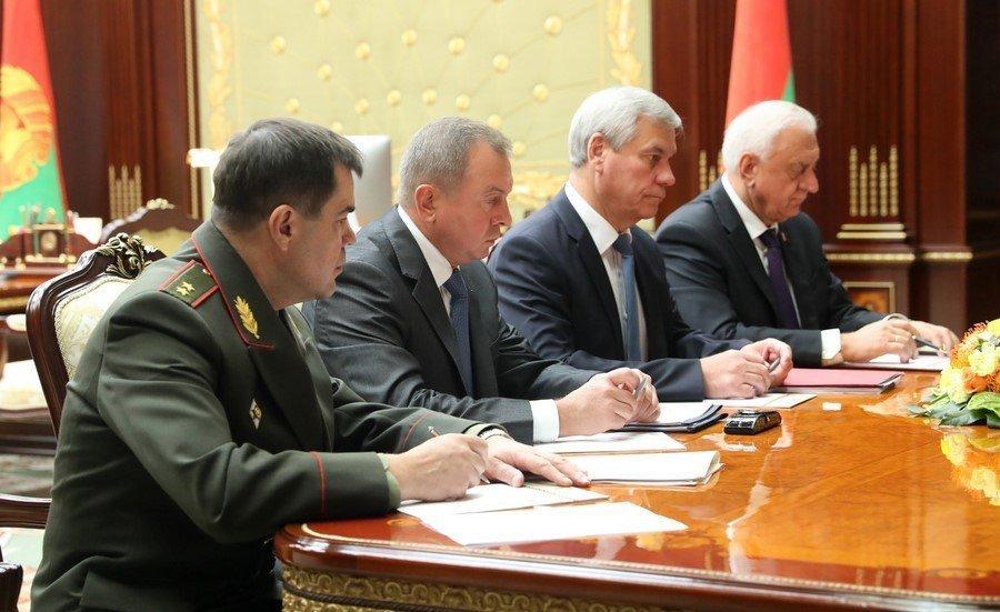 Президент Беларуси отправил вотставку руководство правительства
