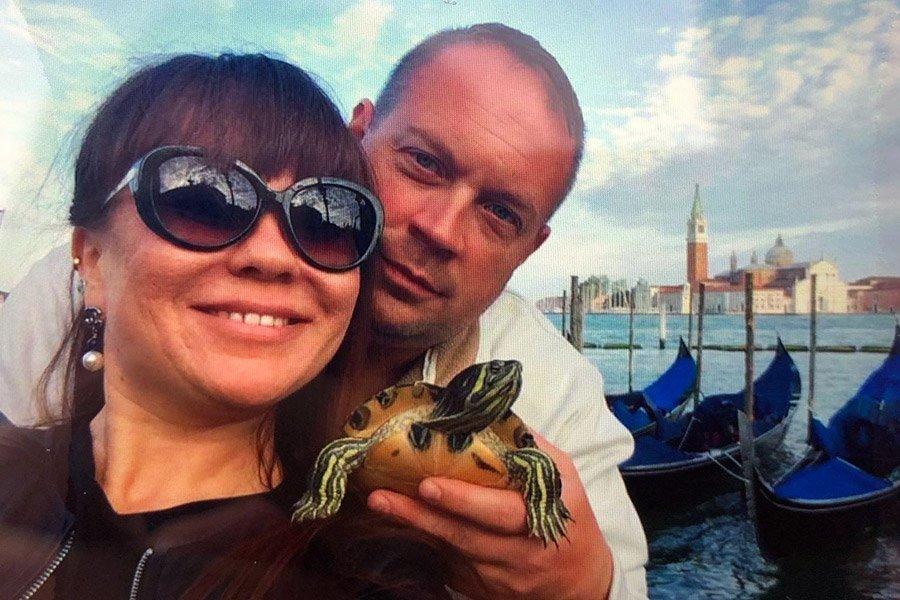 ВИталии американский офицер убил спящую супругу ипокончил ссобой