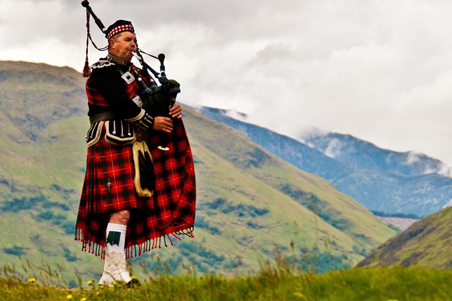 Парламент Шотландии проголосовал против «брексита»