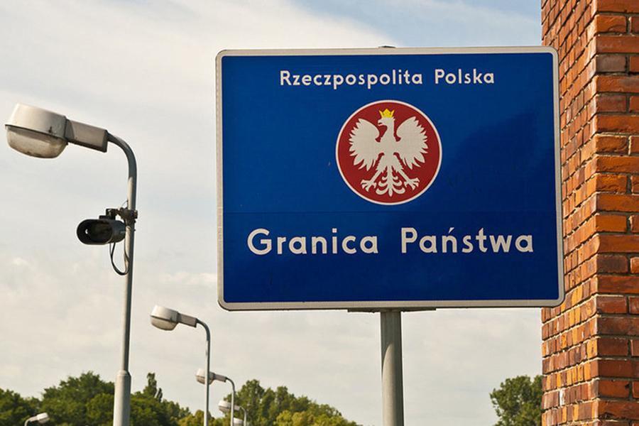 Новые правила ввели поляки для белорусов, пересекающих границу намашине