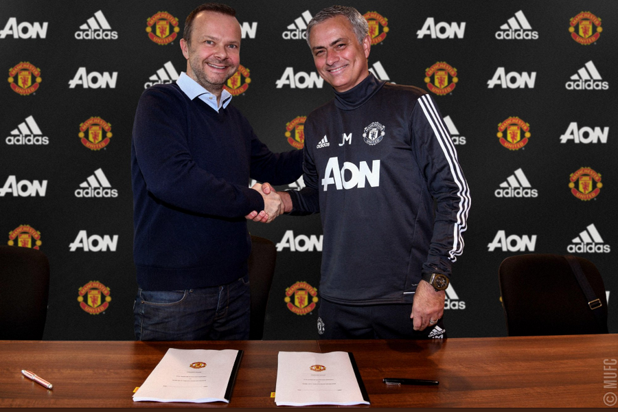 Моуринью продлил договор с«Манчестер Юнайтед» до 2020г.