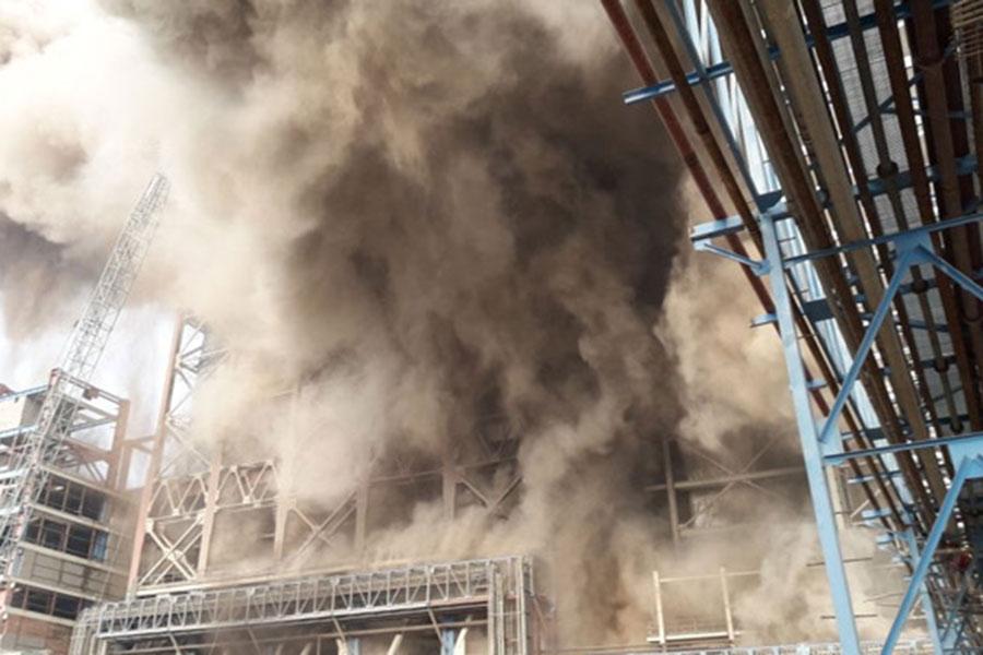 В итоге взрыва на станции повыробатыванию электричества вИндии пострадали около 100 человек