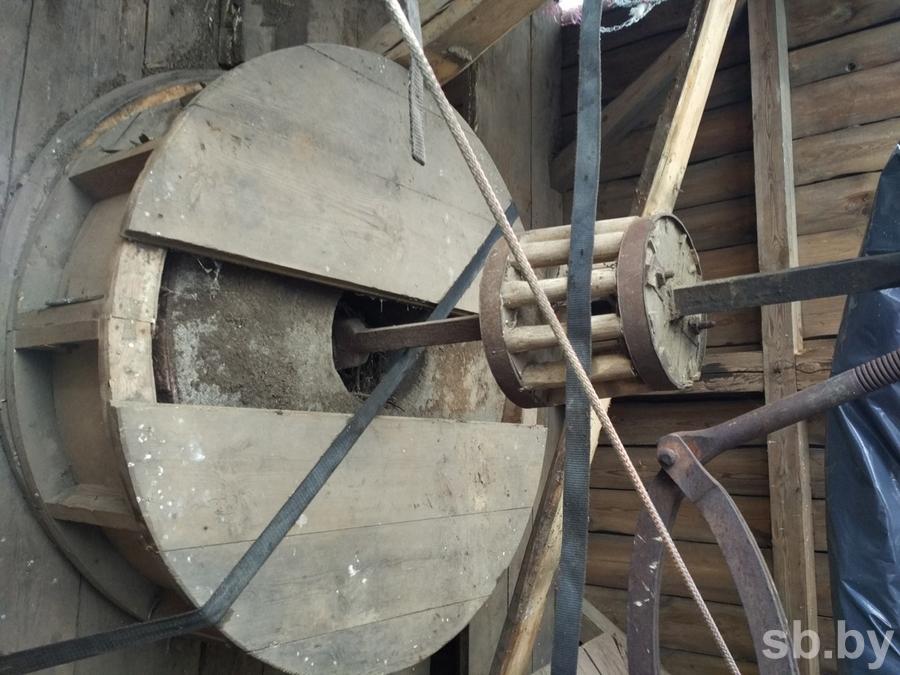 """Старая мельница пережила войну, но рухнула, когда ее попытались """"спасти"""""""