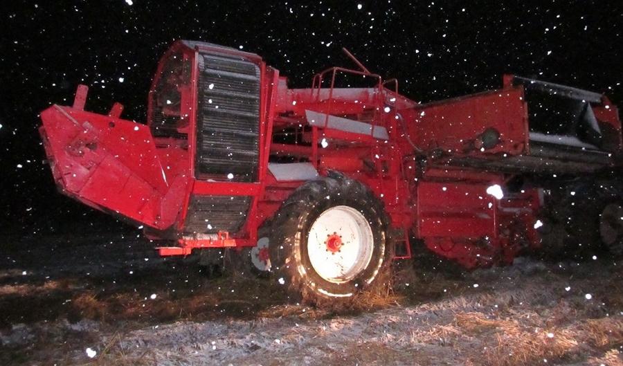 Механизатор умер науборке картофеля вЧашникском районе