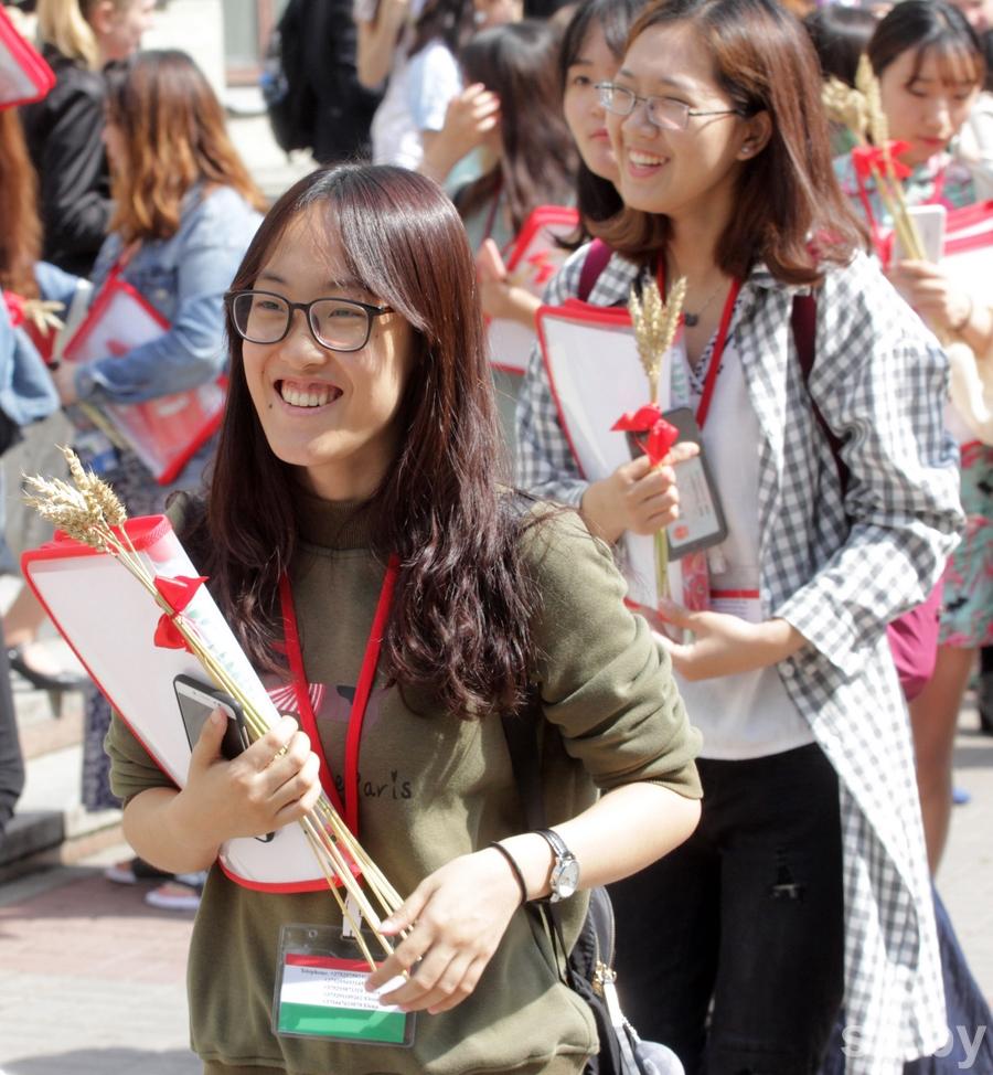 Девушка в школе стринги видно фото реал фото 558-333