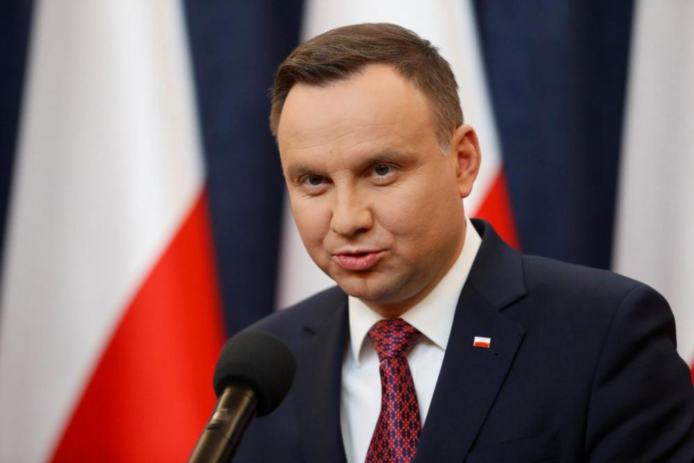 Смарта Польша вводит поэтапный запрет наторговлю ввоскресенье 3
