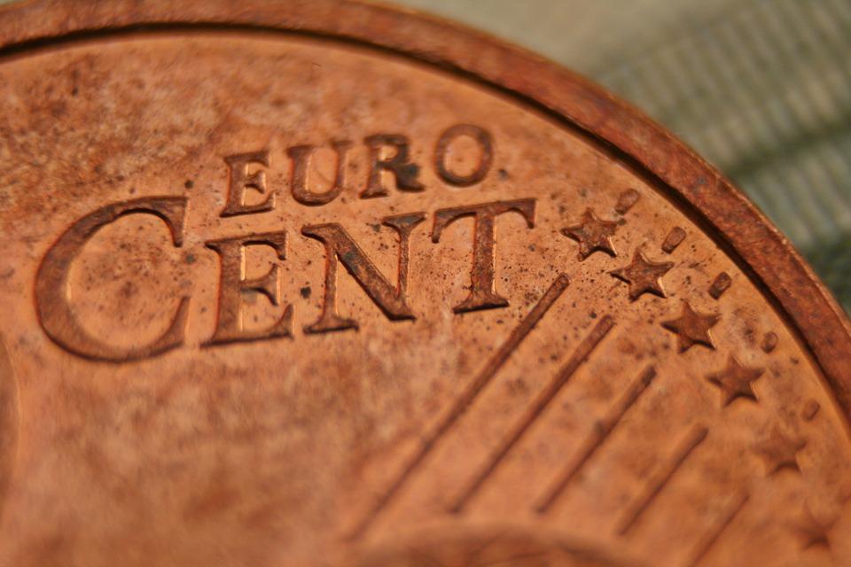 Доллар и русский руб. наторгах 21сентября подорожали, евро упал вцене