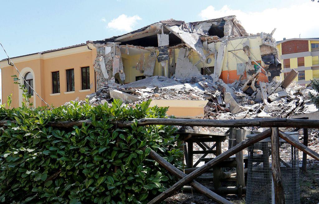 ВИталии сильные афтершоки потрясли наполовину разрушенные землетрясением города