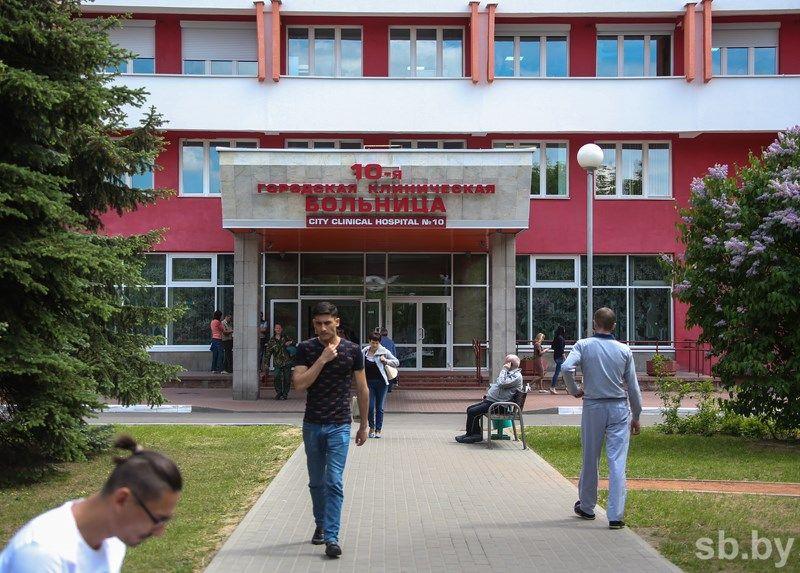 Школьник, напавший сножом научительницу вМинске, отказывается свидетельствовать