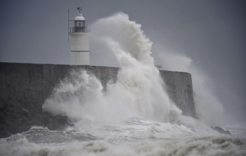 В Англии умер человек из-за шторма Ангус