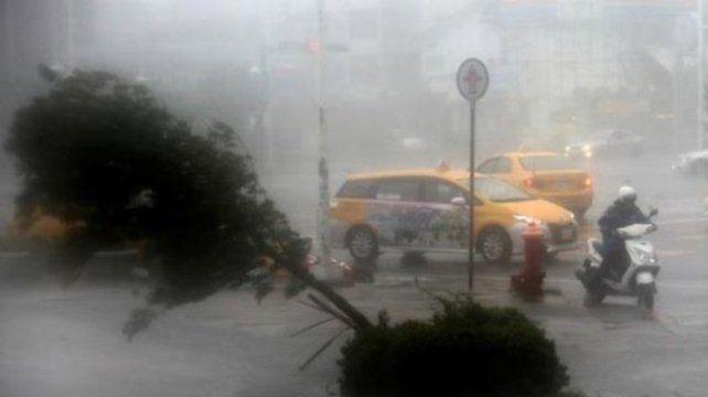 На КНР  надвигается самый мощнейший  за пару лет  тайфун