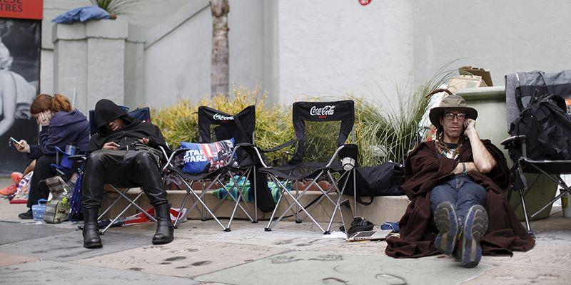 Вожидании премьеры «Звездных войн» фанаты разбивают палаточные городки