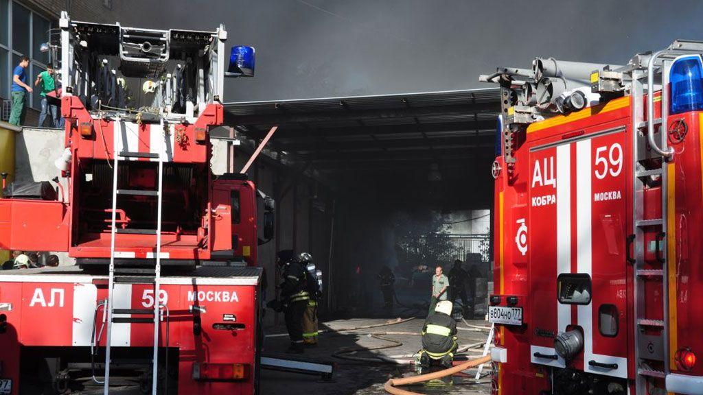 Впожаре наскладе в столице погибли 16 человек