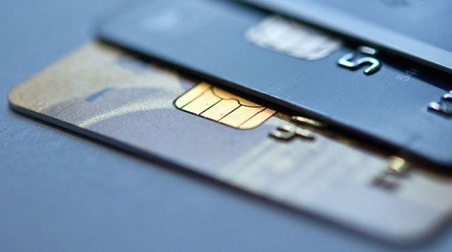 Беларусбанк временно ввел ограничения на снятие наличных с карточек за рубежом
