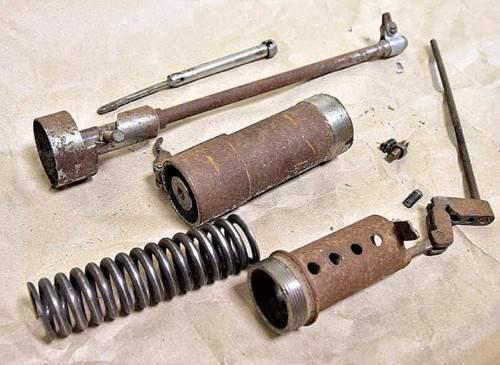«Самоделка»  пружинного действия для стрельбы патронами калибра 4,5 мм.