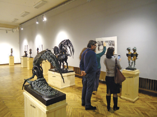 Exhibition notable for originality of sculptural images