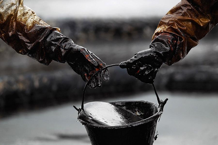 Наюге Канады произошла утечка 200 000 литров нефти