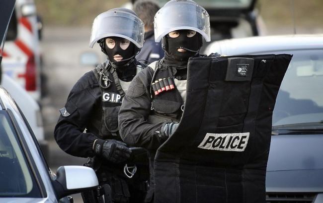ВоФранции 15-летнему подростку предъявлены обвинения впричастности ктерроризму