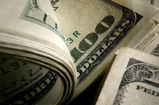 Белорусский рубль продолжает лететь в бездну