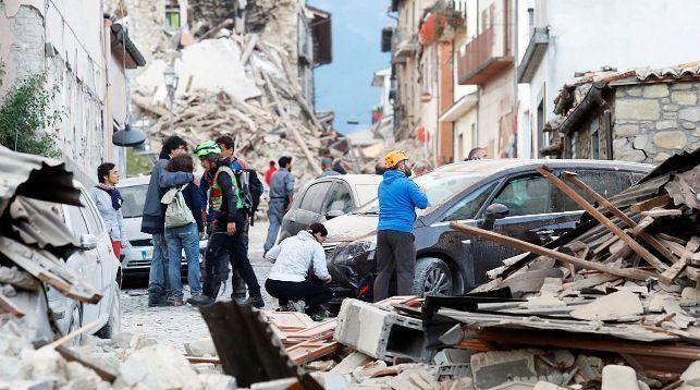 Число жертв землетрясения вИталии возросло до160 человек