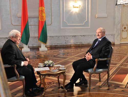 Лукашенко: Беларусь иРФ идут общим путем, однако есть шероховатости