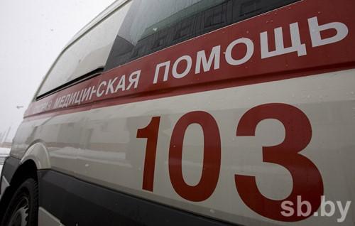 БМВ переехал лежавшего надороге мужчину под Минском