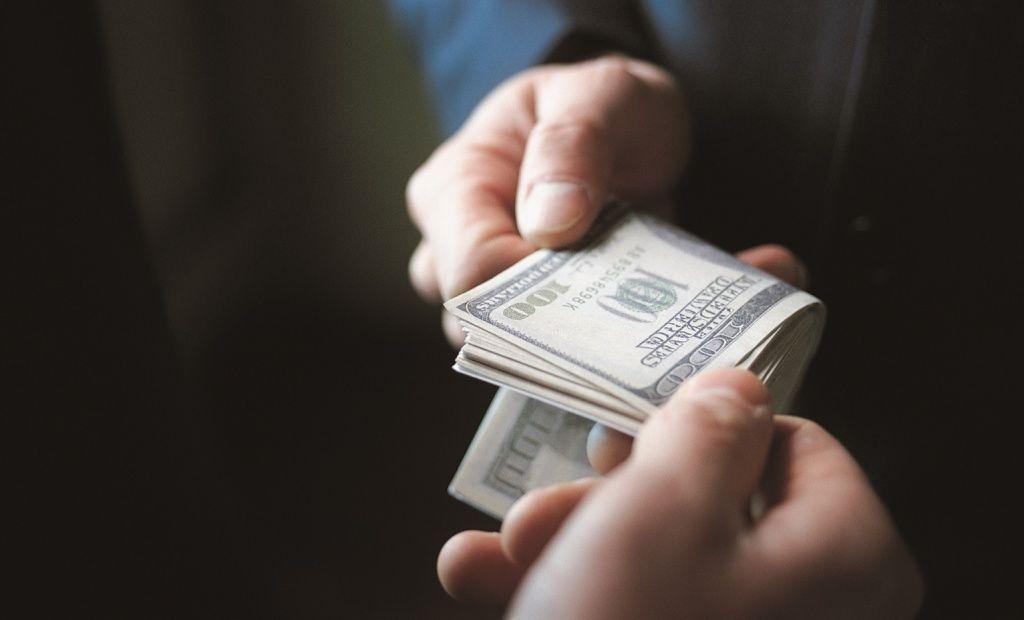 Председателя Мостовского райисполкома обвинили в коррупции