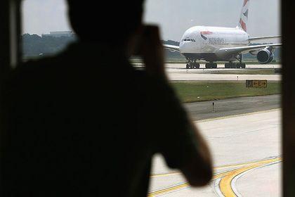 Неменее 20 человек пострадали из-за задымления наборту самолета British Airways