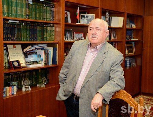 Николай Чергинец переизбран председателем Союза писателей
