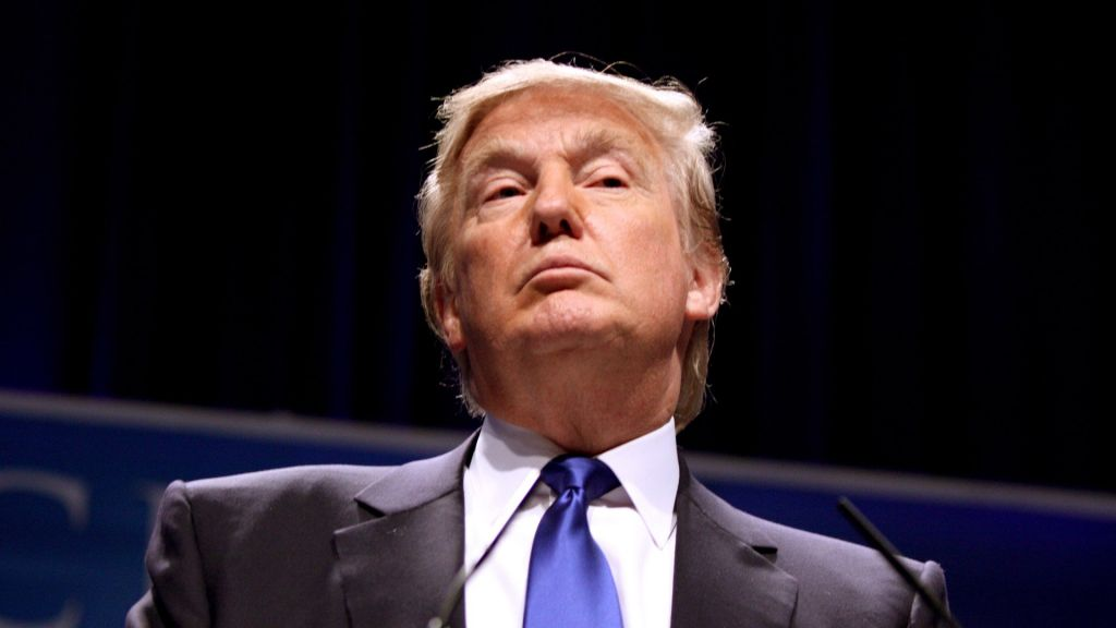 Трамп пообещал препятствовать переводу рабочих мест изсоедененных штатов зарубеж