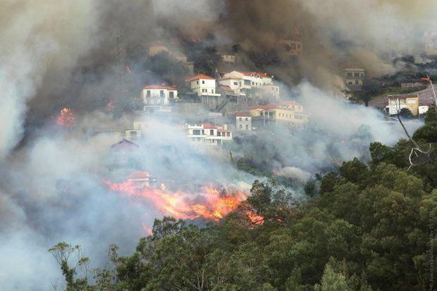 Более 400 человек эвакуированы из-за пожаров вПортугалии