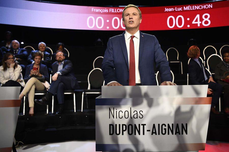 Кандидат в президенты Франции предложил ссылать террористов к Антарктиде