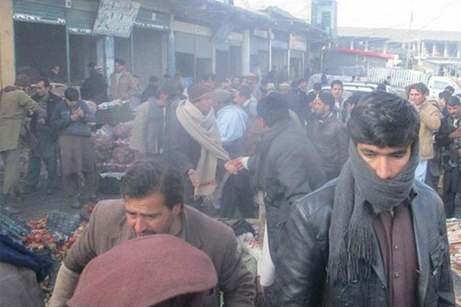 Жертвами мощного взрыва напакистанском рынке стали поменьшей мере 18 человек
