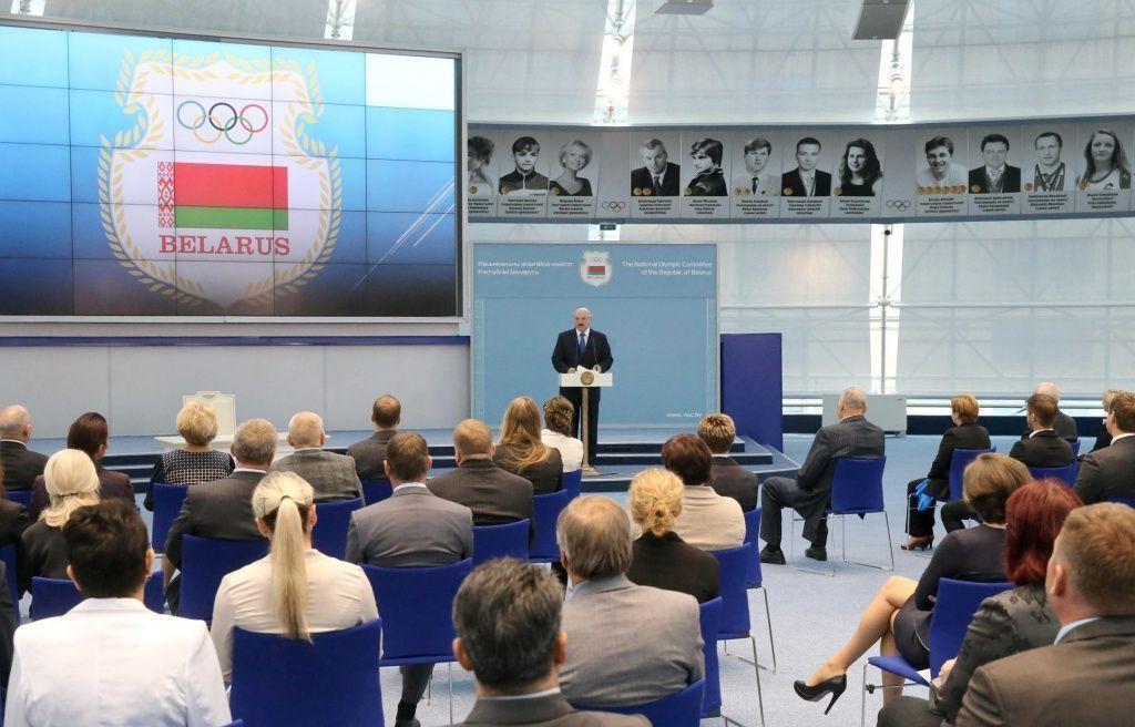 Всамых медальных видах спорта мыпросто телепаемся— Александр Лукашенко