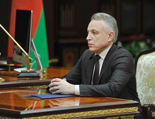Лукашенко высказался против решения проблемных вопросов засчет увольнения работников