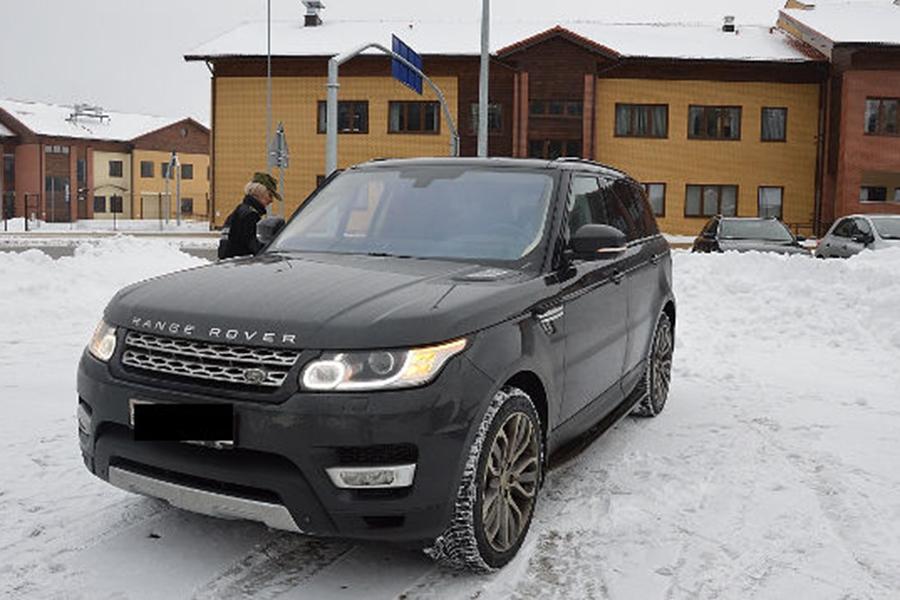 Белоруса накраденом люксовом Range Rover задержали вПольше